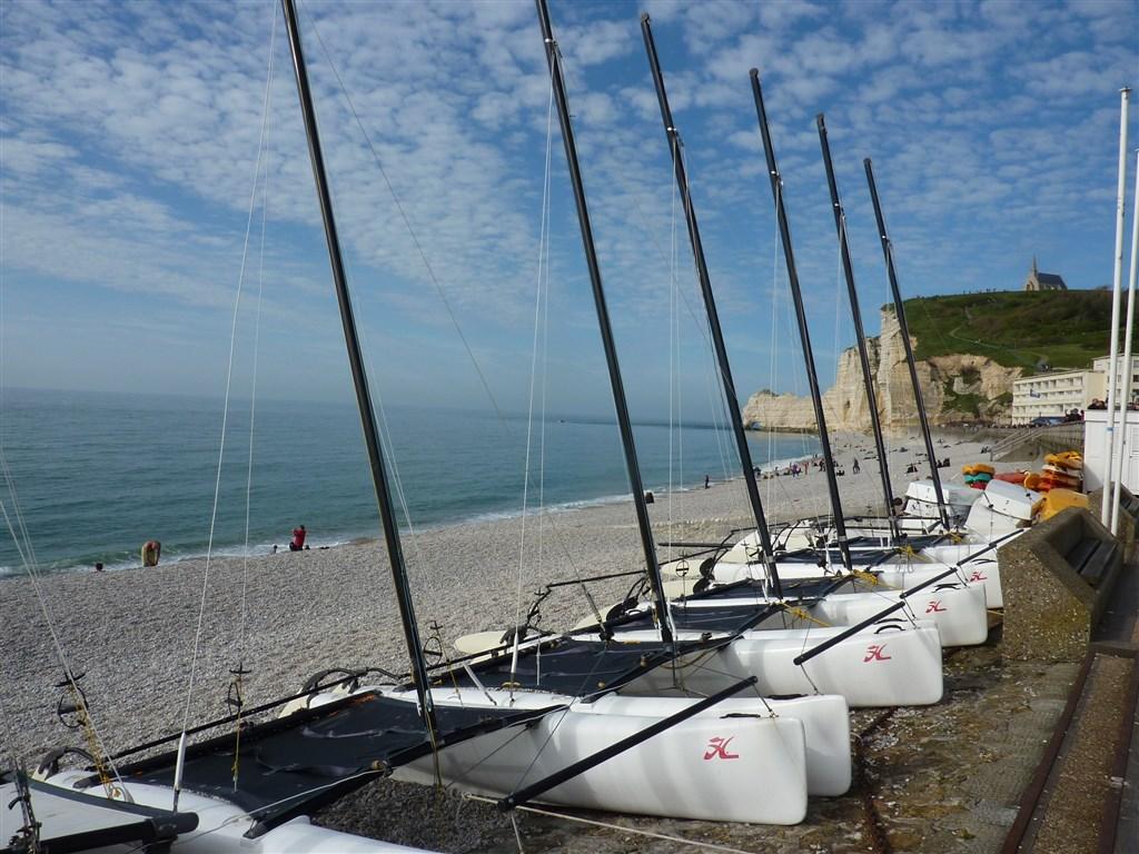zájezdy Francie - Francie - Normandie -  Étrétat, poslední rybář odsud vyplul 1990
