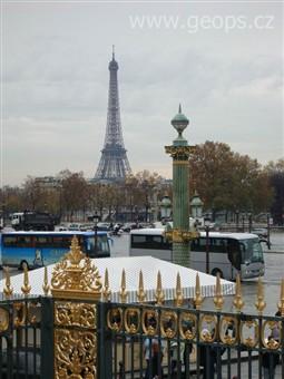 Francie - paříž - eiffelova věž, vysoká 324 m, váží 10.000
