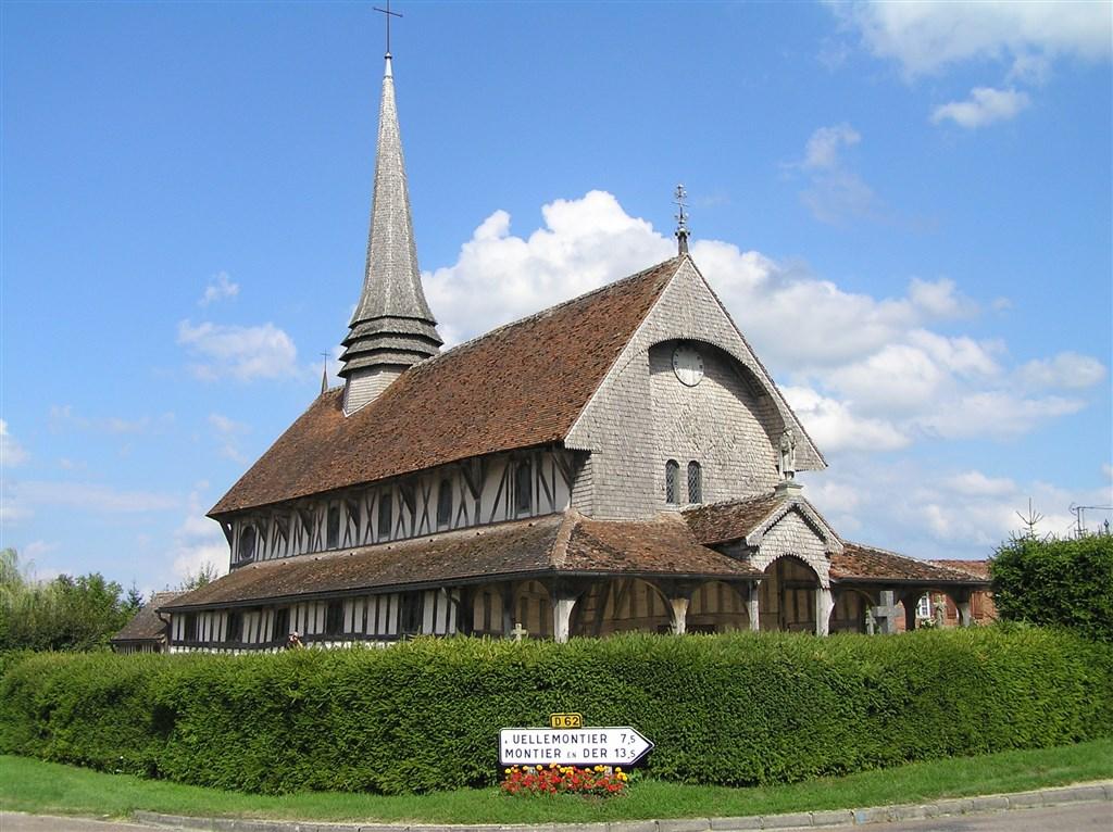 zájezdy Francie - Francie - Champagne - Lentilles, kostel sv.Jakuba a Filipa, první polovina 16.stol.